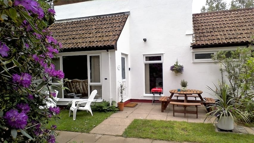 No 1, 3 bed bungalow and patio