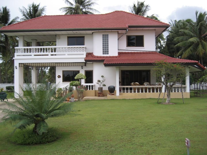 3 bedroom villa with area pool and 500 m to beach
