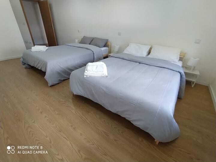 Suíte individual Familiar com duas camas de casal