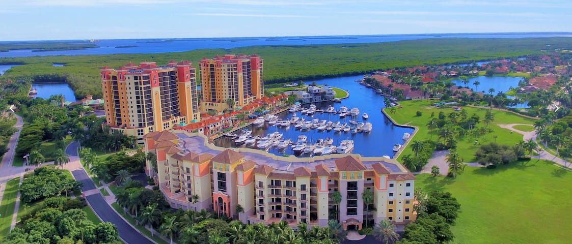 Luxury Marina Waterfront Condo in Cape Coral