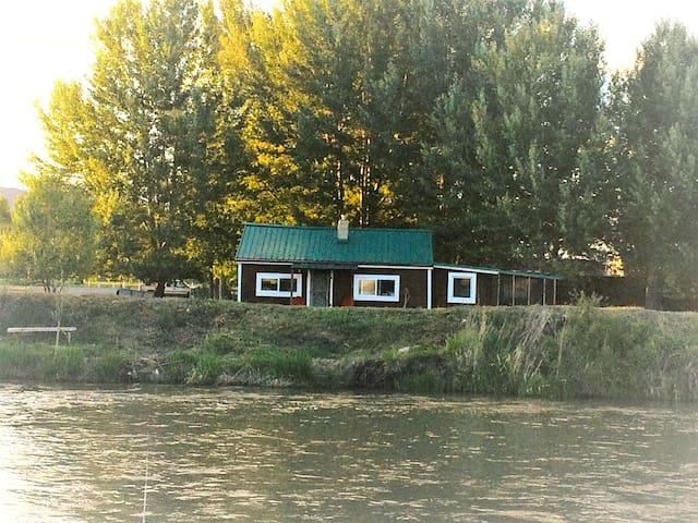 The Beaverhead River Cabin