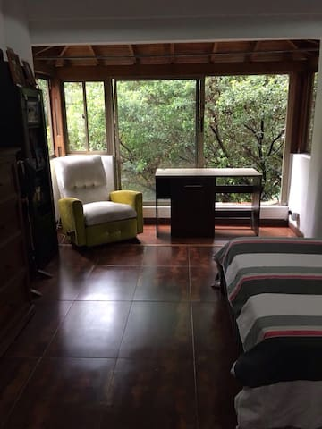 Habitación en el poblado con baño - Medellín  - House