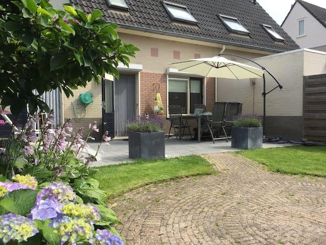 Fraai gelegen (eengezins)woning in Wierden - Wierden