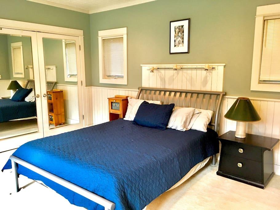Queen bed with Posturepedic mattress