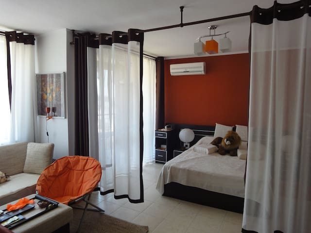 Immaculate and stylish 1br; desirable VIP building - Sunny Beach - Pis