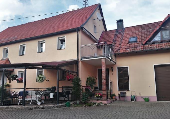 Ferienwohnung im Herzen der Fränkischen Schweiz - Betzenstein - Pis