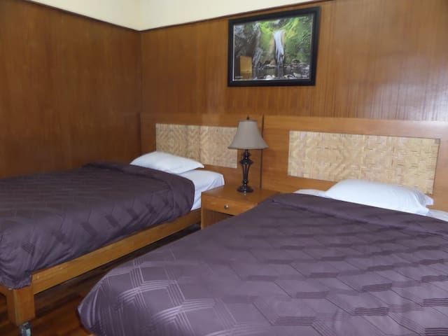 Bungalow 3person may add extra bed nearest Bromo