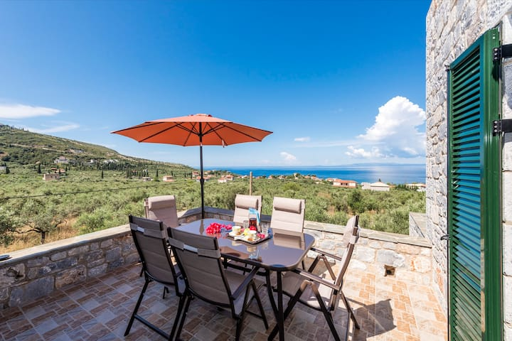 Mani Seaview Villa Lida, Luxury close to the beach