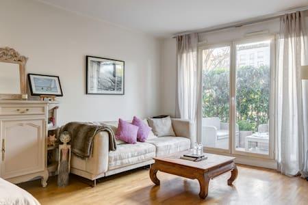 flat & beautiful terrace - Levallois-Perret