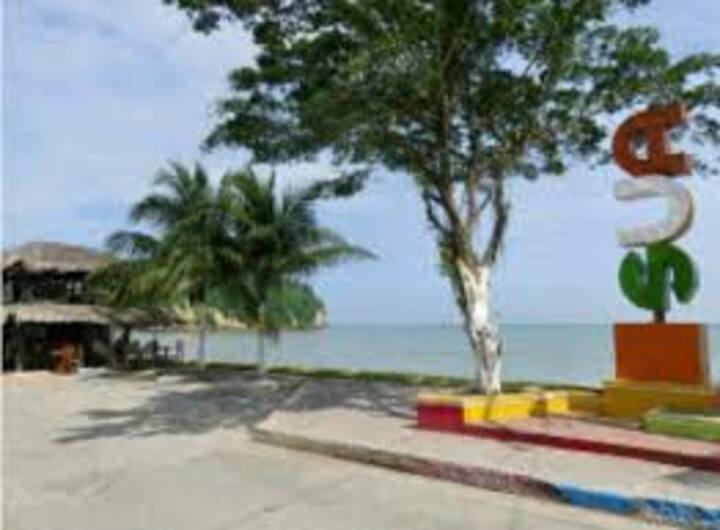 GREEN HOUSE  SUA, SUA BEACH,  ESMERALDAS ECUADOR
