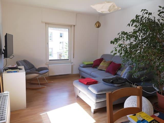 Zentrale Lage mit Garten & Balkon