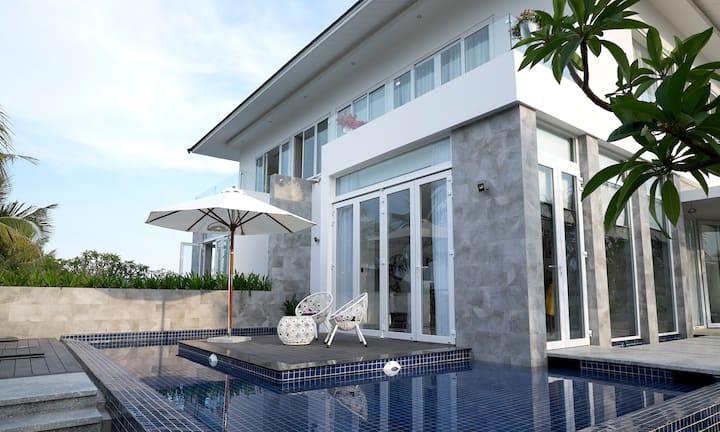 NEW Amazing 5* Villa 3BR Swimming Pool,Good Price