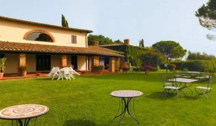 Casa & piscina lago Trasimeno, terme, vigne