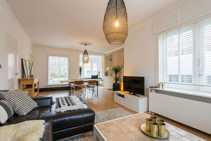 Private modern house with garden near Bruges