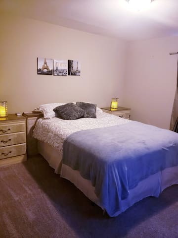 GREAT DEAL! Lancaster Private Room/Bathroom