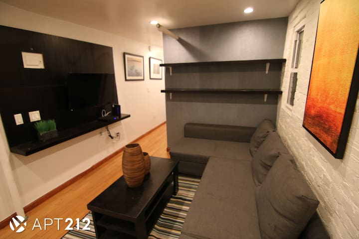 BEAUTIFUL FURNISHED 4 BEDROOM APT