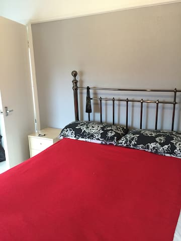 double bedroom close to Liverpool - Widnes - Casa