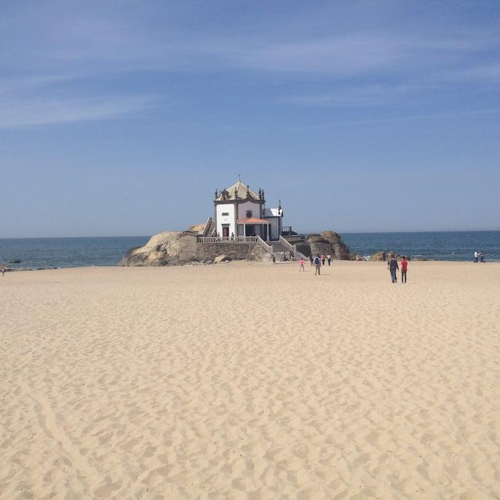 Apartamento  a 50 metros da praia