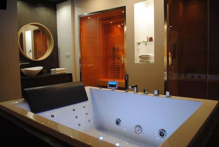 Toit Émoi - Appartement avec spa & sauna privatifs