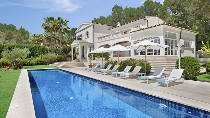 Luxury villa with 20m swimming pool in Pollensa