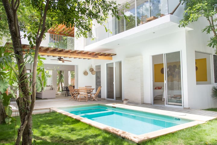 Lovely Villa with Private Pool