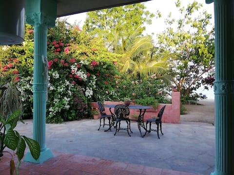 Amanecer en Bahía - Habitación con vista al mar.