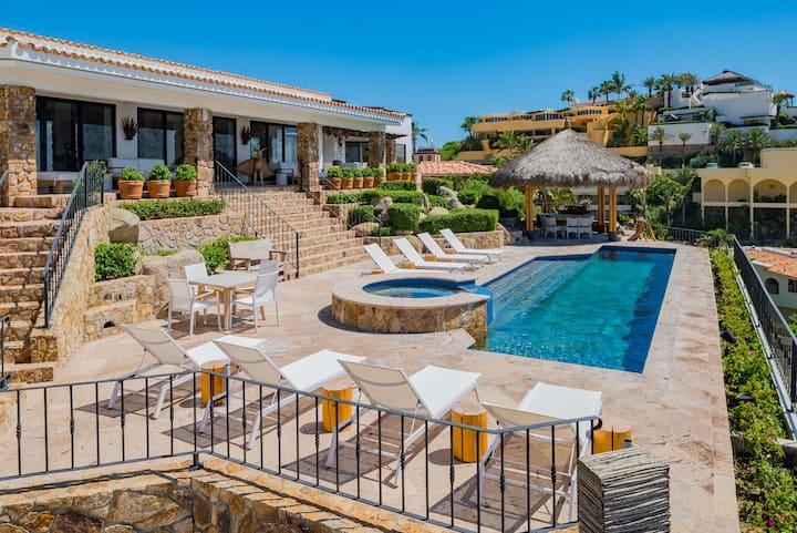 Breathtaking Views 9 bdrm Villa in Pedregal