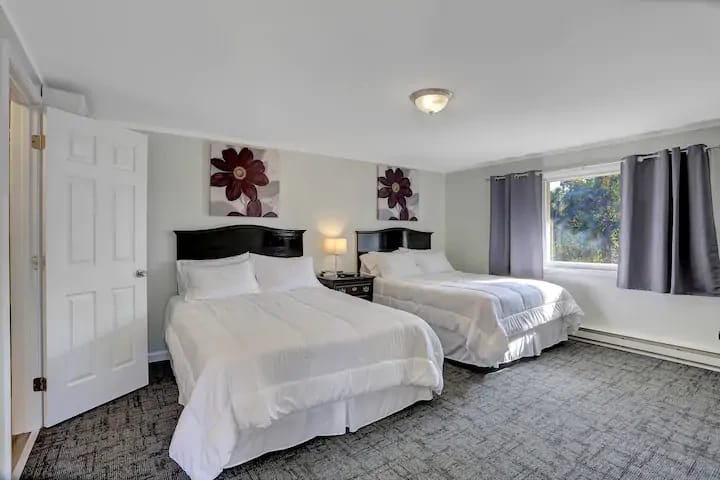 2 Qn Beds W/ Desk at HalifaxInn. 147 Near Mllrsbrg