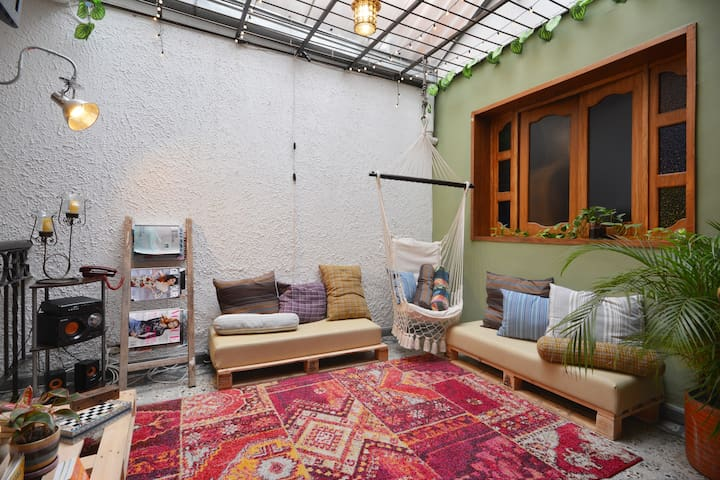 Bohemian house/Perfect Location 2 - Medellín - Hus