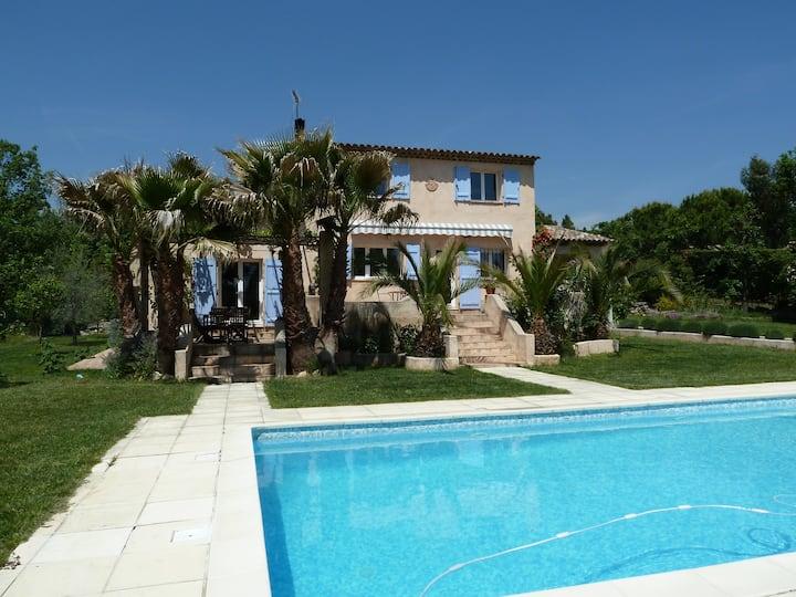 Charmante villa, piscine, jardin provençal, calme