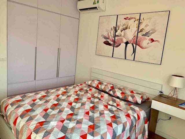 Bedroom 1: 15m2 with queen size bed