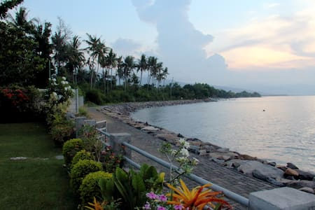 3BR Pool Villa Lovina with Amazing Sunset View