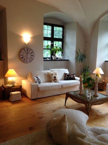 Romant. Unterkunft für 2 Pers. im Wasserschloss - Fraunberg - Pis