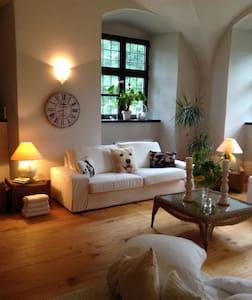 Romant. Unterkunft für 2 Pers. im Wasserschloss - Fraunberg - Appartement