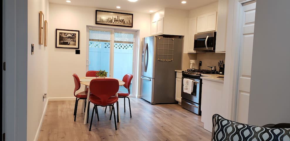 Lovely & Spacious 2 Bedroom Apartment