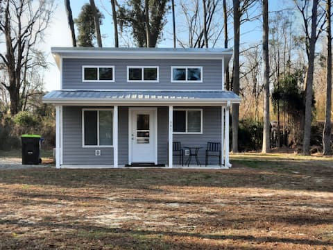 Charming Tiny Home in Historic Kenansville: 1 of 3