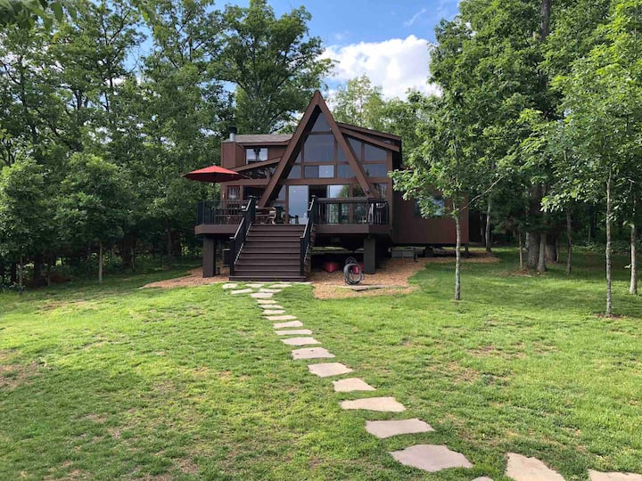 3 Bedroom / 2 Bath Innsbrook Lakeside Chalet
