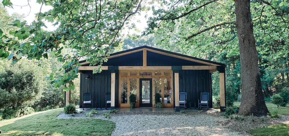 Ivy Cottage - Hocking Hills - Barndominium