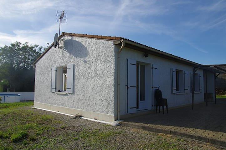 Grande maison au coeur de la Charente-Maritime - Étaules - Casa