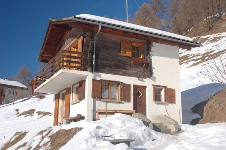 Amazing views from a traditional & cosy Chalet