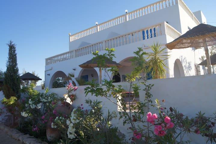 Maison d`Hôte Domaine El-Manar
