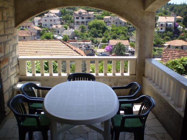 Smiley - 3 Bedroom Apartment With Terrace&Sea View
