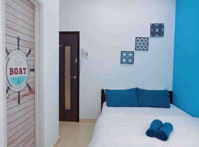 ComfyHomes/2Deluxe Room/4 pax