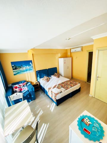 COMFORTABLE LUXURY ROOM IN IZMIR (TWO GUESTS)