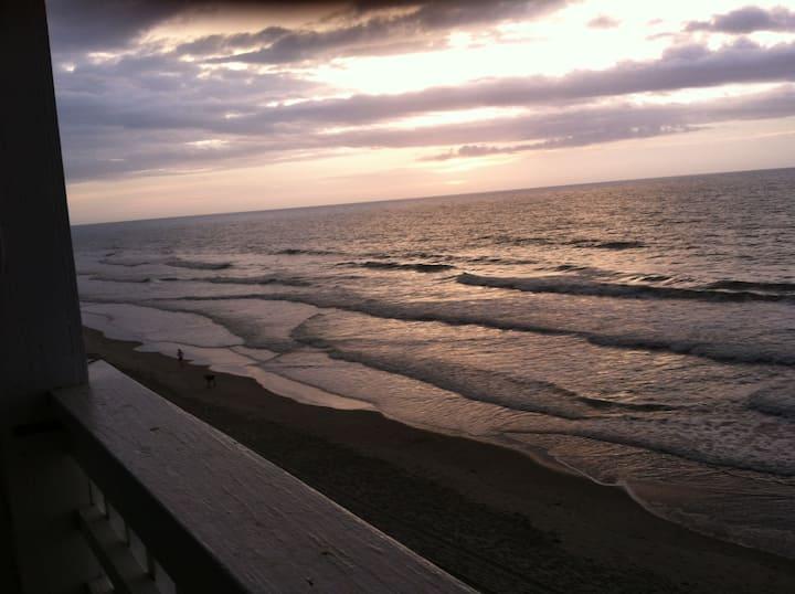 Myrtle Beach/Garden City Beach Condo on the Water