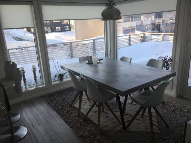New and cosy house with a lovely view - Tromsø - House