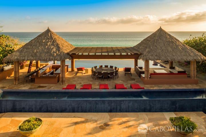 Spectacular Beachfront Villa Located in Puerto Los Cabos