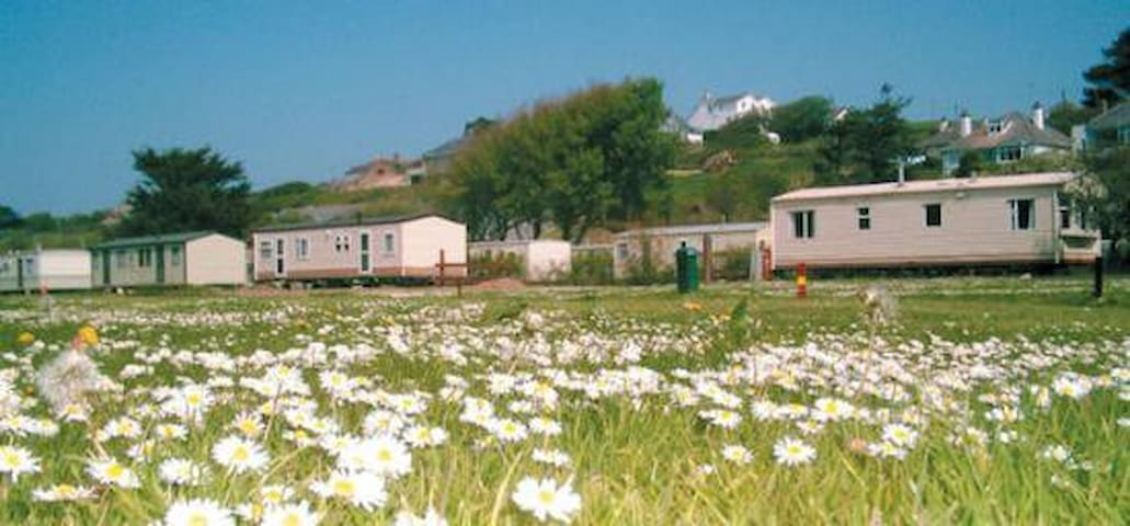 Perfectly positioned family static caravan for 5 - Polzeath - Chalet