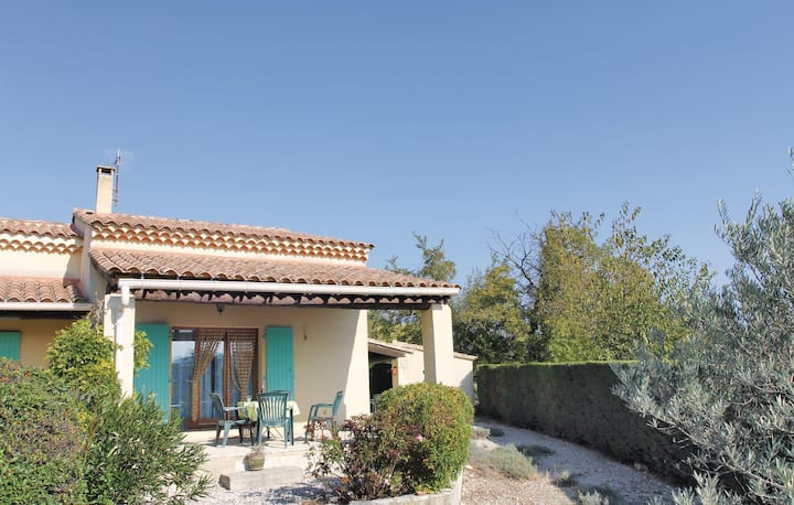 Beautiful home in Mormoiron with 1 Bedrooms