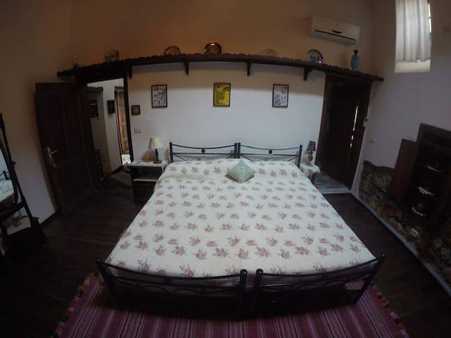Bujtina Kodiket - Berat - House